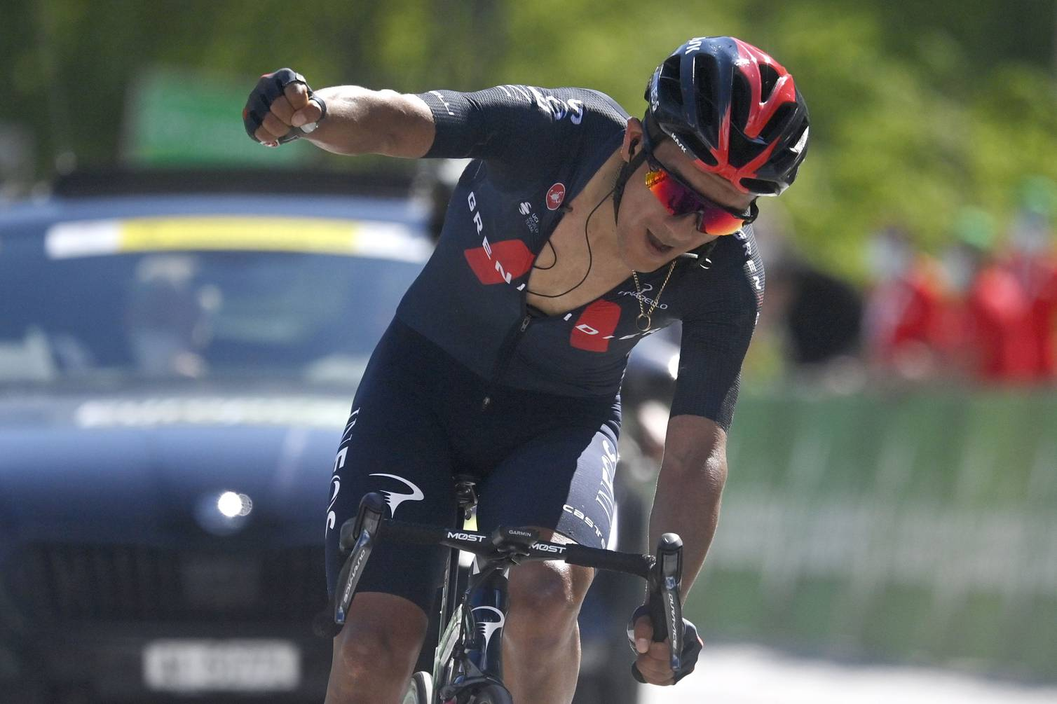 Etapa y liderato para Richard Carapaz en el Tour de Suiza